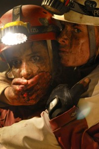 Krysten Cumming as Rios and Shauna Macdonald as Sarah in The Descent Part 2
